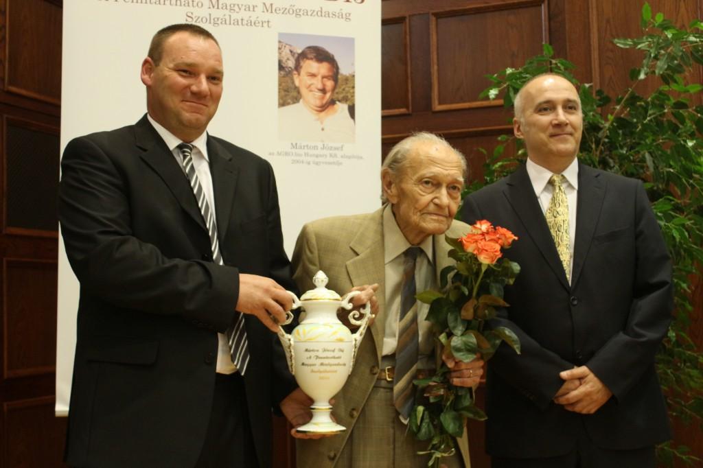 Márton Balázs (AGRO.bio, ügyvezető), Dr. Antal József (professor emeritus), Daoda Zoltán (AGRO.bio, szakmai igazgató)