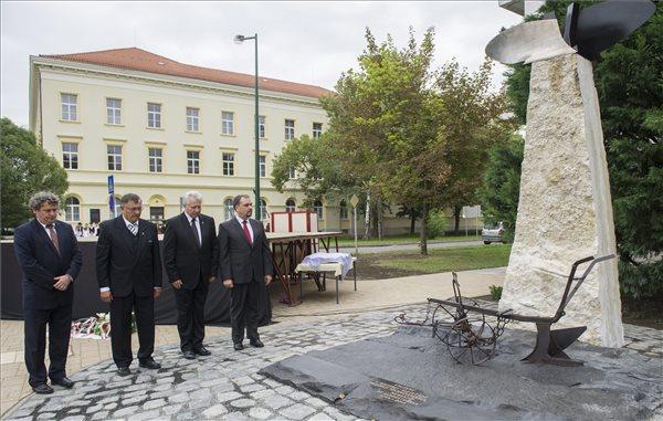 A Földművelők emlékművének avató ünnepsége Fotó: Rosta Tibor (MTI), 2014.09.20.