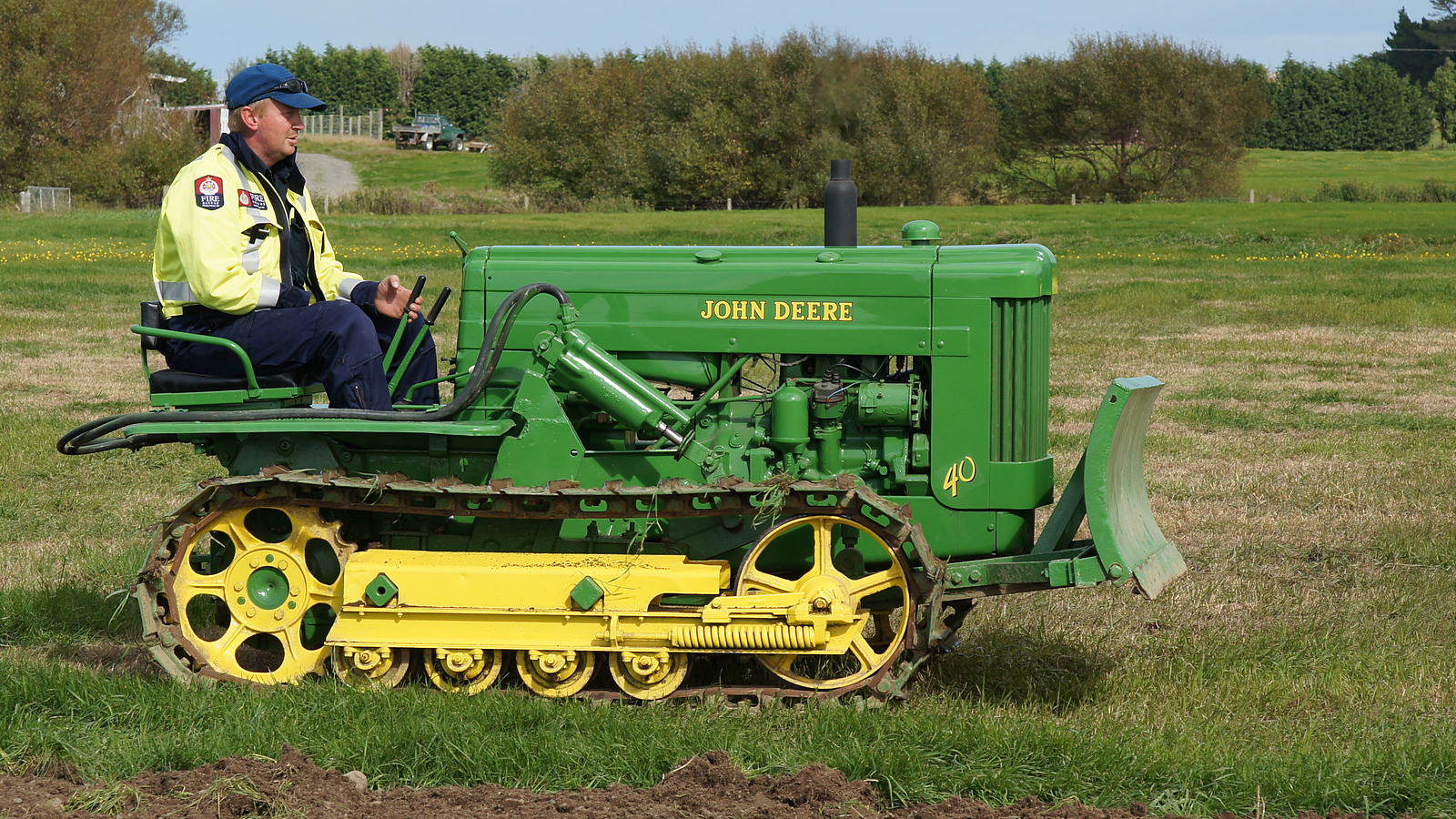 John Deere 40