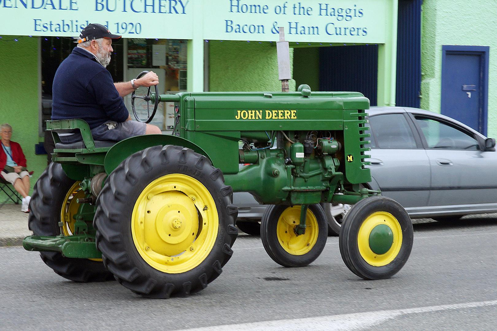 John Deere M