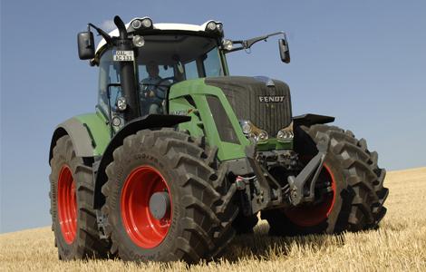A Fend Vario széria egy újabb darabja lett az év traktora. Jelen esetben egy 270 lóerős jószág nyerte el a megtisztelő címet.