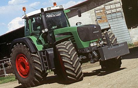 A Fendt 930 Vario Tms 300 lóerős teljesítményével nem véletlenül lett közkedvelt a gazdák körében, ezért is kerülhetett a traktorok trónjára.