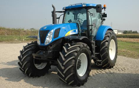 A New Holland T 7070 Autocommand a 2008-as év traktorának egy továbbfejlesztett változata. Ahogy látszik, jól sikerült a fejlesztés, a New Holland ismét révbe ért.