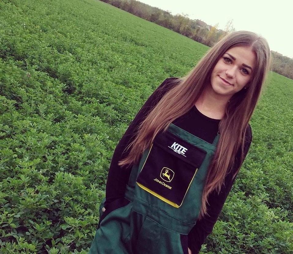 A második helyezett egy mátészalkai gazdász lány, Zsatku Dzsenifer lett.