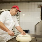 Krebsz Gábor munkában - készül a kenyér