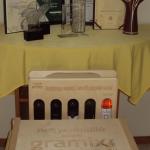 Az asztalon a Fertilia eddig szerzett díjai, előtte a díjazottaknak átadott díjak
