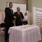 A miniszter és Harsány Zsolt (MEGFOSZ) kézfogással erősítették meg az együttműködést