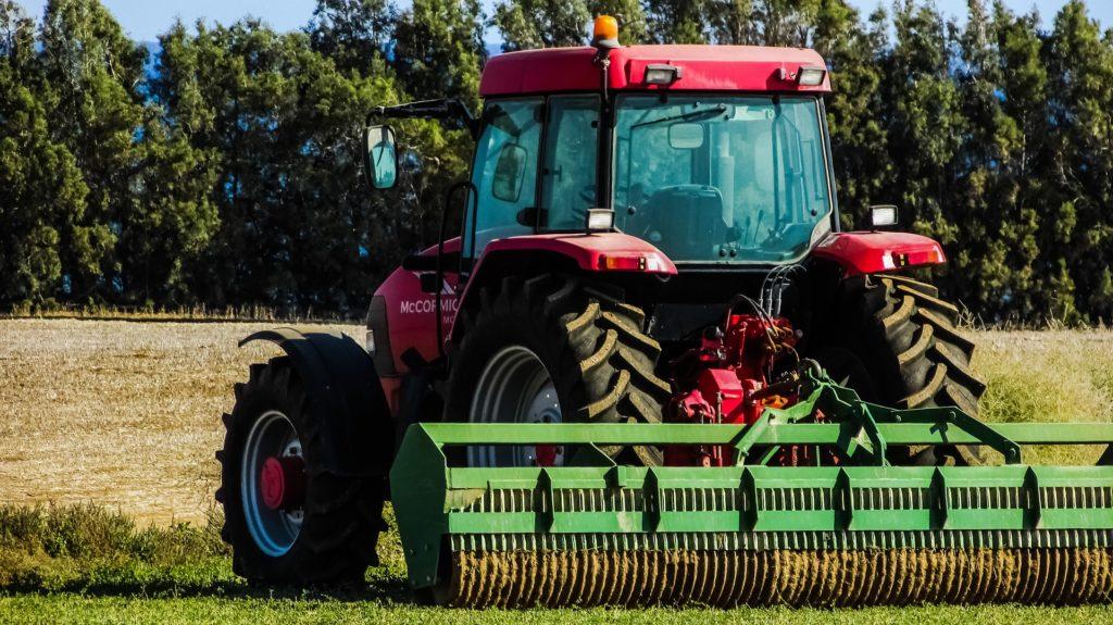 Nagyon felpörgött a traktoreladás