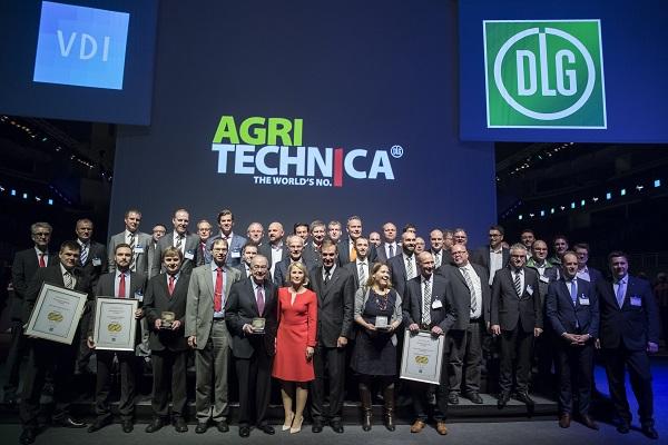Az Év Gépe győztesei a 2017-es Agritechnica mezőgazdasági gépkiállításon - Fotó: Agritechnica.com