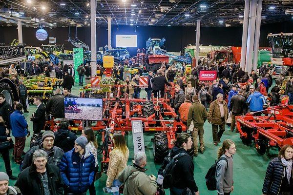 Traktorokból és adapterekből is bőven lesz az AgrárgépShow 2018-as kiállításán - Fotó: Axiál sajtóanyag