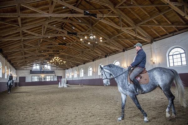 Megújítják a mezőhegyesi ménesbirtokot, a lovarda már kész van - MTI Fotó: Rosta Tibor
