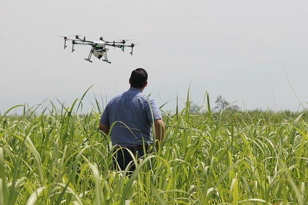 Drónok könnyítik meg a gazdák dolgát a földeken - Fotó: Pixabay, Herney Gómez