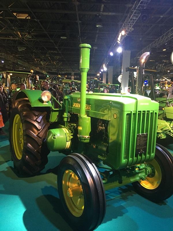 A John Deere és a KITE hadrendbe szedte a traktorokat, a pompás veteránok is felsorakoztak