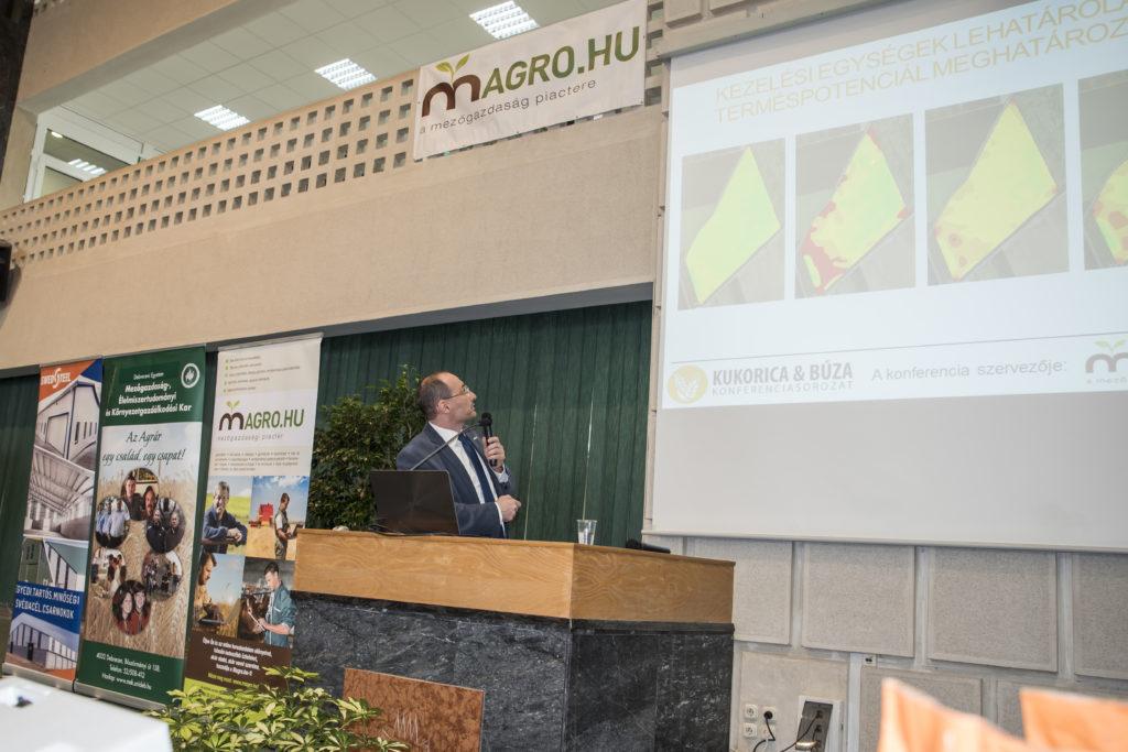 Dr. Mesterházi Péter Ákos (Axiál) jóvoltából a precíziós gazdálkodás is kiemelt szerepet kapott a konferenciasorozaton