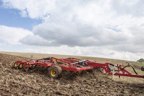 A szántás kiváltására a mélyen járó kultivátorok alkalmasak