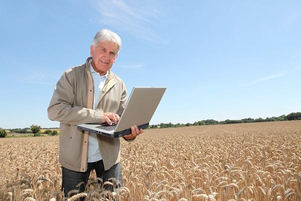 Az e-mezőgazdaság a jövő, de inkább már a jelen tudása - minden generáció érintett