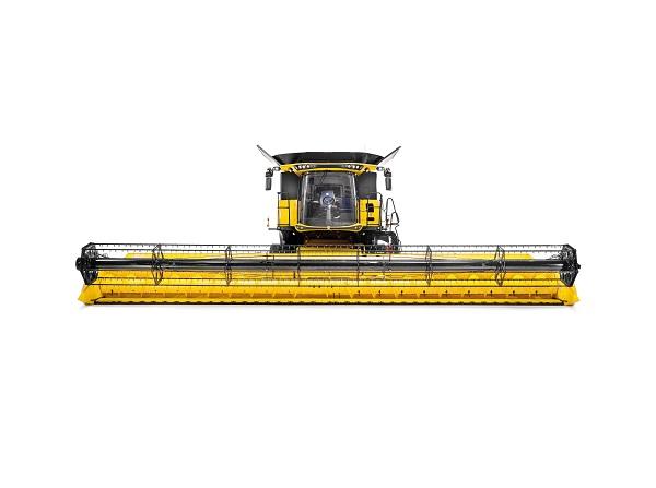 24 sor szélességet is átér a New Holland CR 10.90 kombájn vágóasztala- Fotó: Agrotec Magyarország