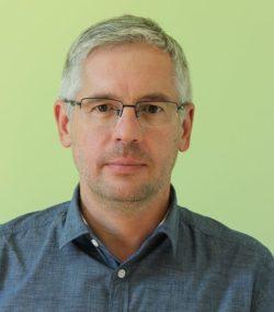 Pais István (ügyvezető, kereskedelmi vezető Huminisz Kft.)