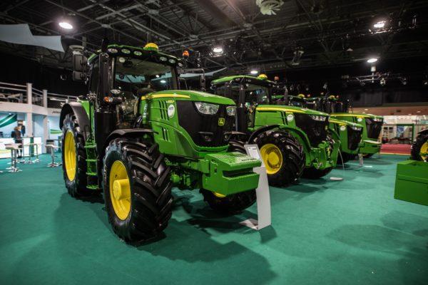 A John Deere traktorok sorfala idén is pompás látványt nyújtott