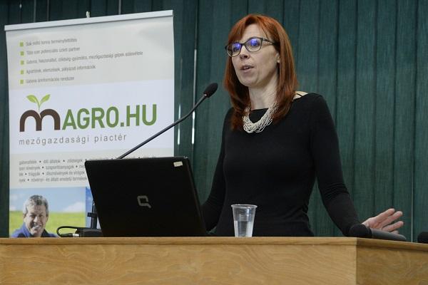 Tóth Éva, a Bauer Hungária Kft. ügyvezető igazgatója a Magro KUKORICA és BÚZA Konferenciasorozatán