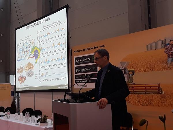 Potori Norbert, az Agrárgazdasági Kutató Intézet igazgatója a dél-amerikai gabonapiaci helyzetről is beszélt