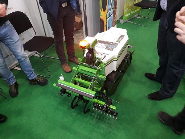 2019-től már Magyarországon is kapható a sorközművelő robot