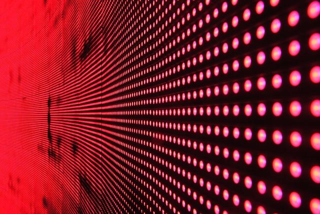 A LettUs Grow cég technológiájával a hidropóniás technológiához képest jóval kevesebb vízzel és városi környezetben is lehet zöldségeket termeszteni - képünkön LED-fényforrások, illusztráció