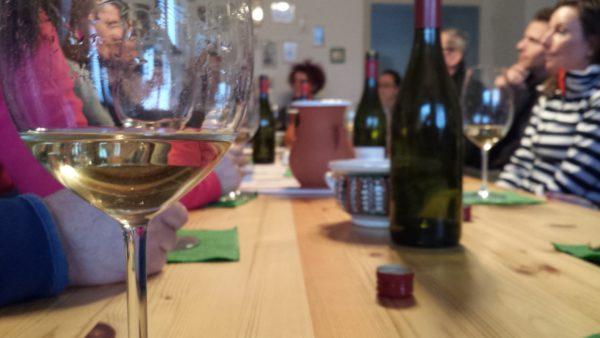 Idén 10 milliárd forintra pályázhat a borászati ágazat a Vidékfejlesztési Programban - képünk illusztráció: borkóstolás Tokajban
