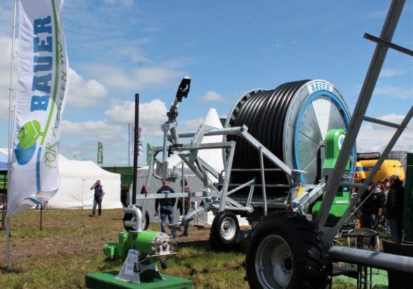 A szántóföldi öntözés gépeit is kiállította a BAUER Hungária Kft. Mezőfalván, a NAK Szántóföldi Napok és AgrárgépShow rendezvényen