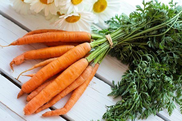Számos remek egészségügyi előnye van, ha bekerül az étrendünkbe a sárgarépa zöldje