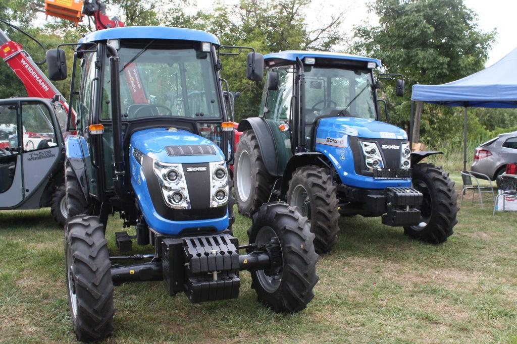 A Solis 50 és 75 lóerős traktorok az Odysis Bt. standján a 2019-es Szentlőrinci Gazdanapok rendezvényen