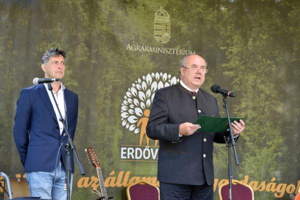 Zambó Péter földügyekért felelős államtitkár beszél a IV. Erdővarázs Családi Nap megnyitóján - Fotó: Krasznai-Nehrebeczky Mária