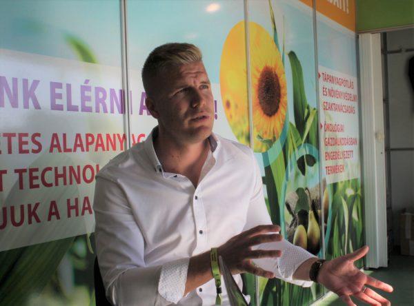 Tánczos István környezetgazdálkodási agrármérnök, talajtani szakmérnök, az Alpha-Vet Kft. AlphaPlant ágazat-igazgatója és szaktanácsadója beszélt a növénykondicionálás témájáról