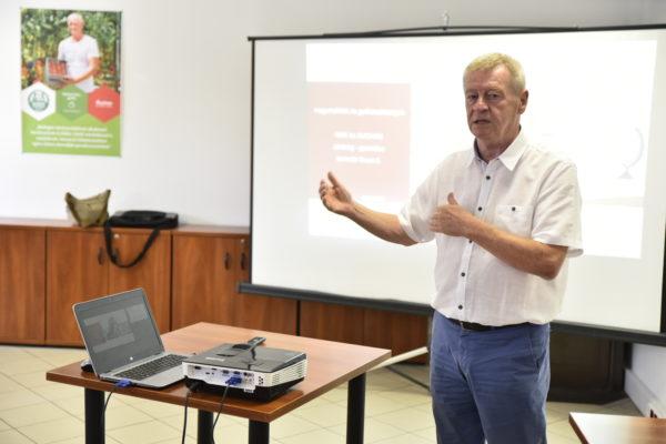 Mártonffy Béla, a NAK országos kertészeti és beszállítóipari osztályának elnöke is előadott a rendezvényen - Fotó:  Lévai Zsolt/NAK