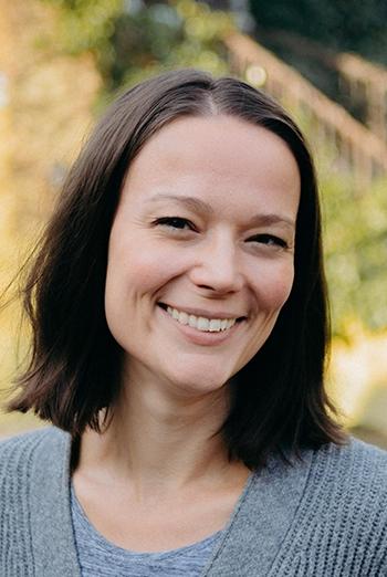 Dr. Drexler Dóra, az Ökológiai Mezőgazdasági Kutatóintézet (ÖMKi) ügyvezetője az intézet kutatásairól, a biológiai növényvédelemben, a tájfajtákban valamint ősi gabonafajokkal rejlő lehetőségekről beszélt - Fotó: ÖMKi