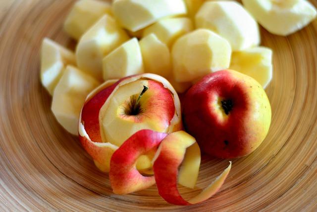 Az almahéj több fontos és hasznos anyagban is gazdagabb, mint maga a gyümölcshús