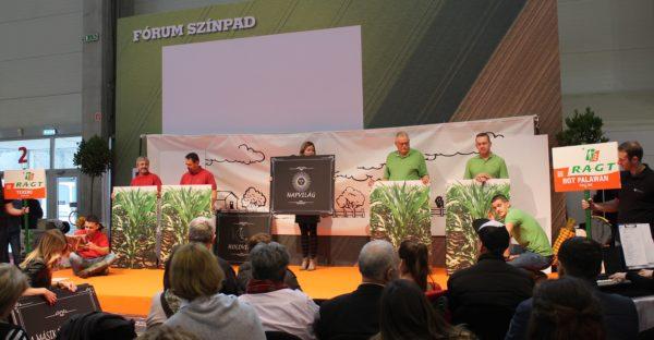 Ötletes némajátékot mutattak be az RAGT Vetőmag Kft. munkatársai a Hungexpo színpadán - Fotó: Magro.hu