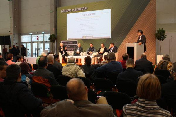 A helyes mérés fontosságáról rendezett kerekasztal beszélgetést a Magro.hu Németh István ügyvezető moderálásával - Fotó: Magro.hu
