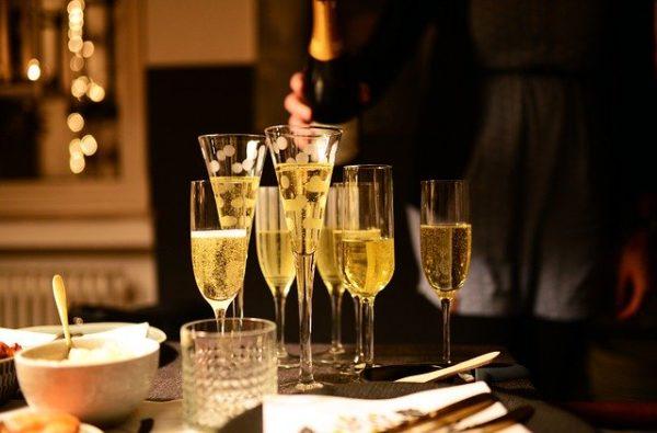 A pezsgőkészítés lehet a Tokaji borvidék egyik fontos bevételi forrása - képünk illusztráció