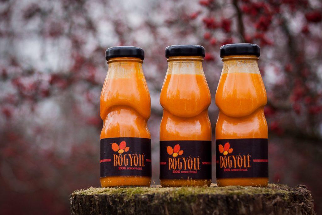 A termés értékesítésének kisebb, de szívmelengetőbb része a Bogyólé eladása - Fotó: Kordás Katalin