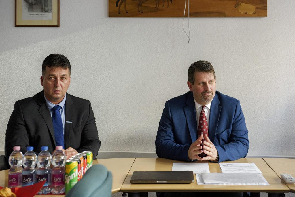 Antal Gábor, a Hód-Mezőgazda Zrt. vezérigazgatója (balra) szerint a tej szakmaközi szervezet munkája példaértékű, így hasonló sikereket szükséges elérni a juh- és kecskeágazatban is - Fotó: Juh és Kecske Ágazatért Egyesület