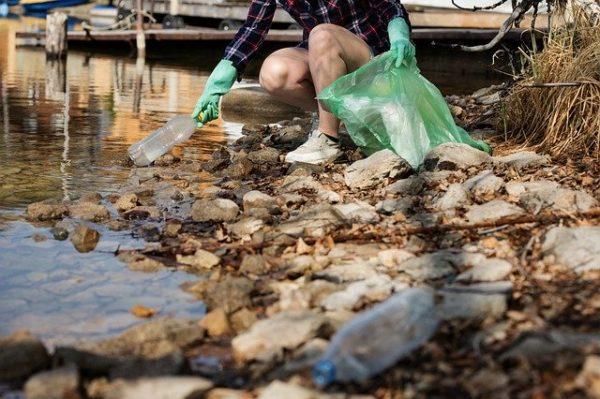 Jelentős a mikroműanyag-részecskék száma a Duna vizében - képünk illusztráció
