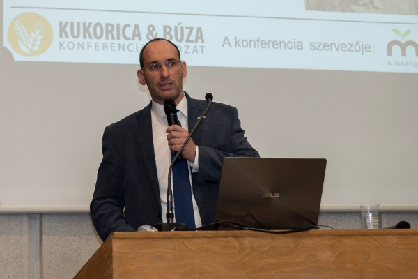 Az AXIÁL Kft. precíziós gazdálkodási csoportvezetője, dr. Mesterházi Péter Ákos - Fotó: Magro.hu