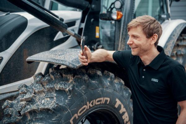 A Nokian intelligens abroncsokat fejlesztett traktorokhoz (Fotó: https://www.nokiantyres.com)