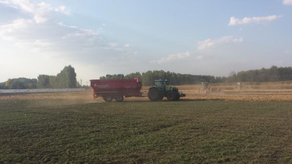 Munka Mezőhegyesen: komoly összeggel támogatja a magyar kormány a digitális mezőgazdaság eszközeinek bővítését a Békés megyei gazdaságban - Fotó: Magro.hu, CSZS, Mezőhegyes