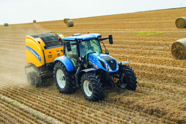 A New Holland T6.160 Dynamic Command traktor