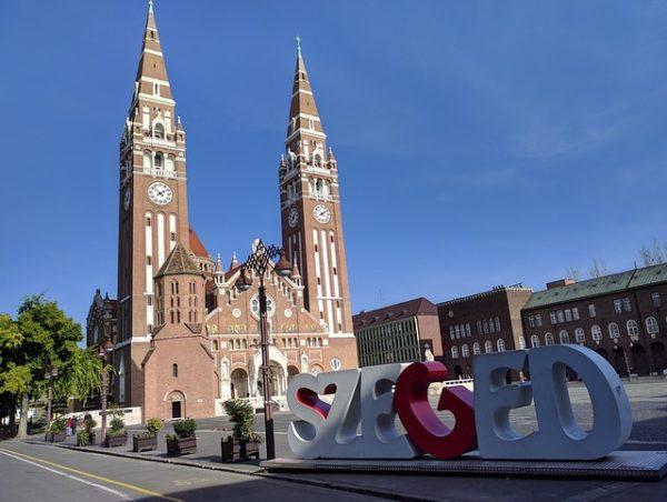 Új precíziós kertészeti szakmérnök képzés indul Szegeden - képünk illusztráció, a városi Fogadalmi templom