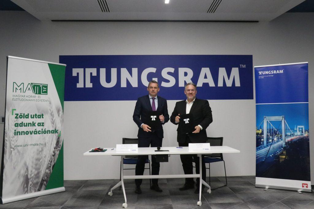 Prof. Dr. Gyuricza Csaba, a MATE rektora és Jörg Bauer, a Tungsram elnök-vezérigazgatója