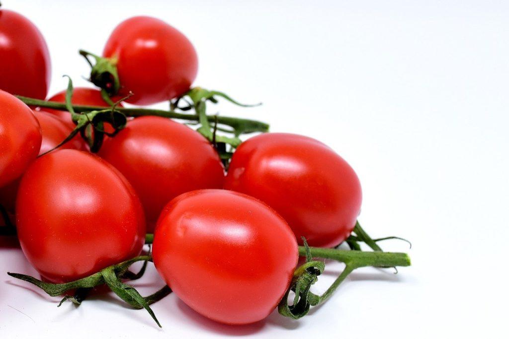A paradicsomválaszték az utóbbi években fokozatosan bővült, egyre többféle típusú, színű, ízű fajta jelent meg a kiskereskedelemben