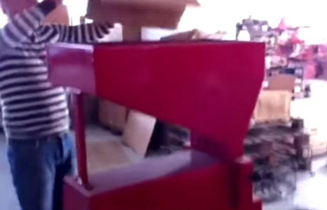 Eladó Mandula törőgép 1 db fotó